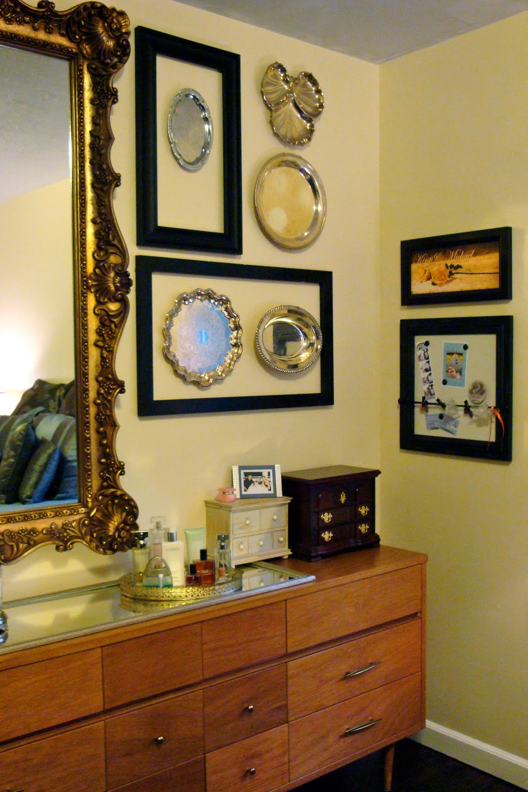 Lovely LaLaLand: Master Bedroom: art, lamps, mirrors, oh my!