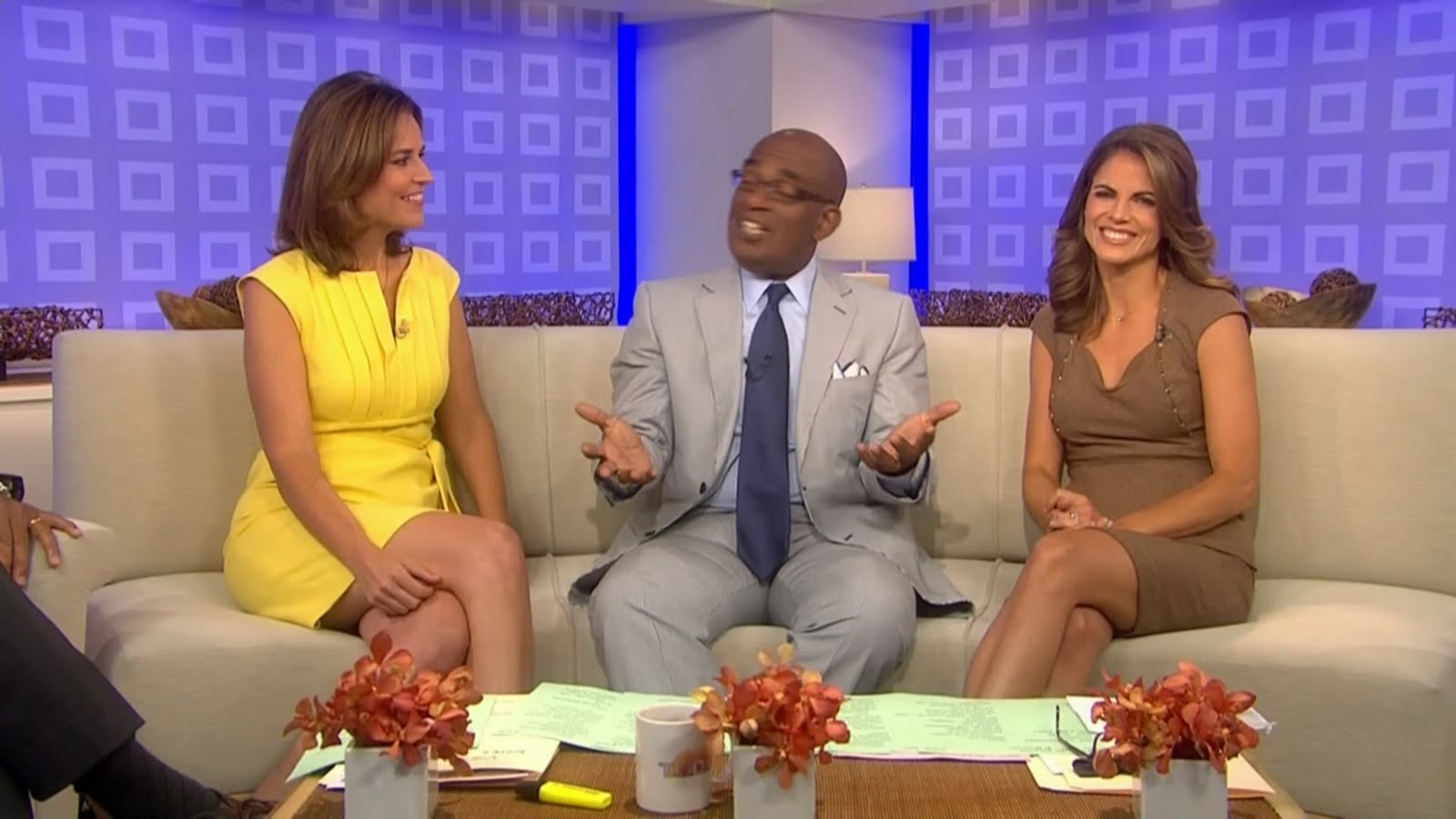 Savannah Guthrie Feet http://www.legcross.com/2010/08/savannah-guthrie-pretty-in-yellow.html