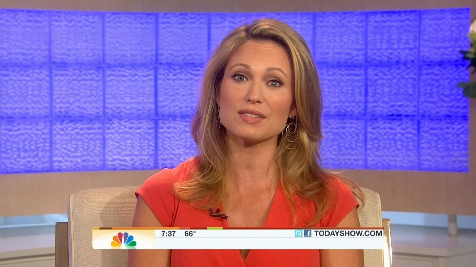 Amy robach in swimsuit who is amy robach amy robach is an anchor and
