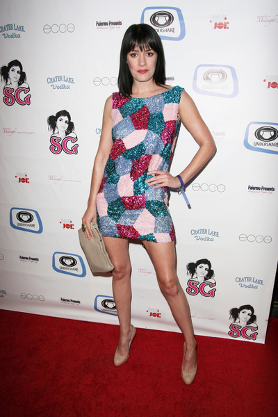 Paget Brewster's amazing legs -...