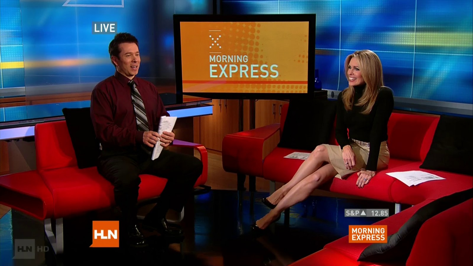 Christi Paul Hot http://www.legcross.com/2010/12/christi-paul-legs-on-morning-express.html