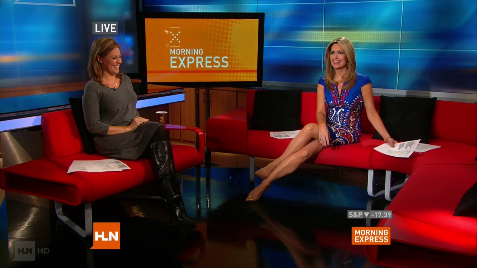 Christi Paul Hot http://www.legcross.com/2010/12/christi-paul-sexy-on-morning-express.html
