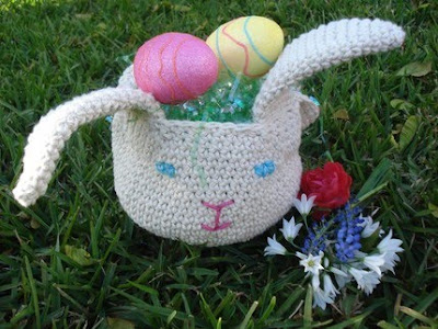 crocheted bunny Easter basket