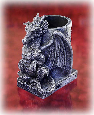 dragon pen holder