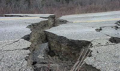 http://2.bp.blogspot.com/_tfYp0bU_81A/SY3alTVhgGI/AAAAAAAAAgA/IL-MIh9-aXc/s400/terremoto.jpg