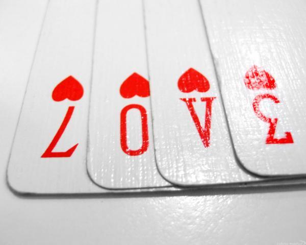 http://2.bp.blogspot.com/_tg42ArcfTzU/TGv5BF2ozLI/AAAAAAAABKM/-eXtsYHes4s/s1600/Love+cards.jpg
