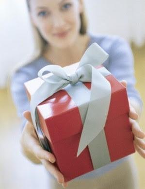 http://2.bp.blogspot.com/_tgXcsYHpYoM/SXiRmBkvQjI/AAAAAAAABMU/ovB-IhWCMDM/s400/wedding-gift-ideas.jpg
