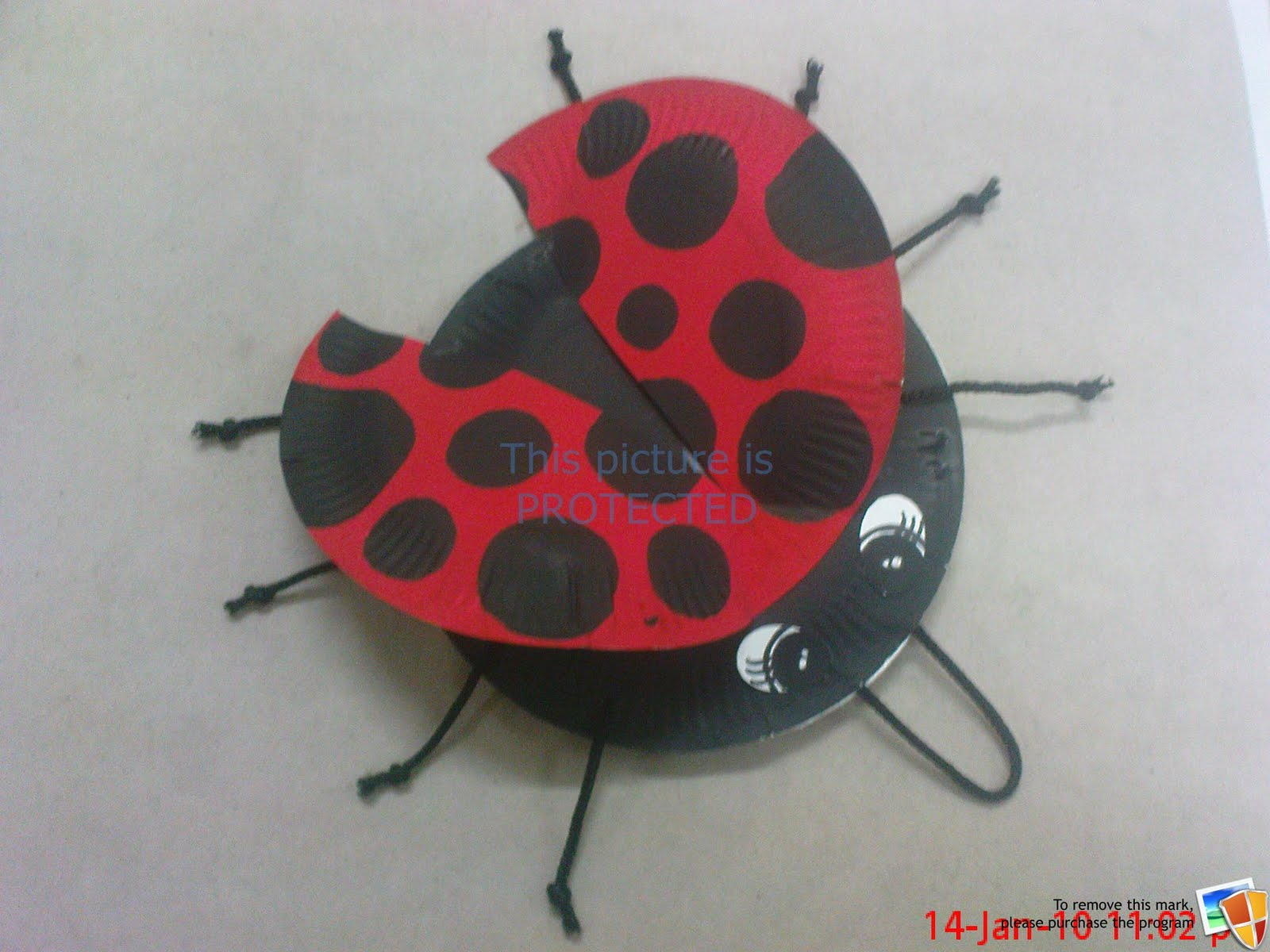 Kids crafts ladybugs cake ideas and designs for Ladybug arts and crafts