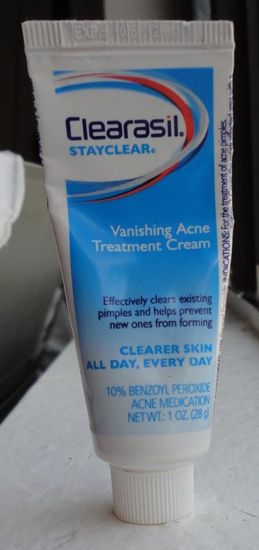 Acne spot treatment concealer
