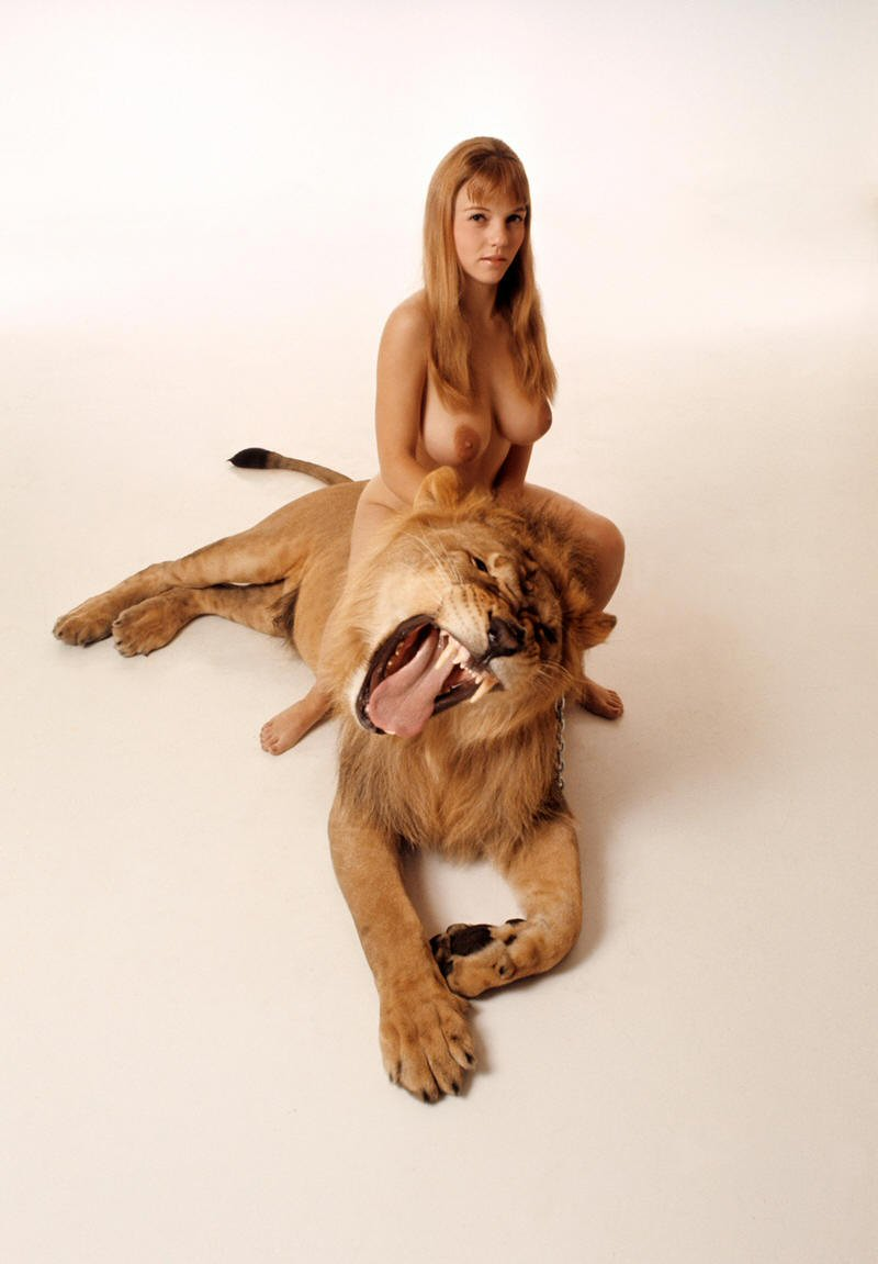 girl nude and lion