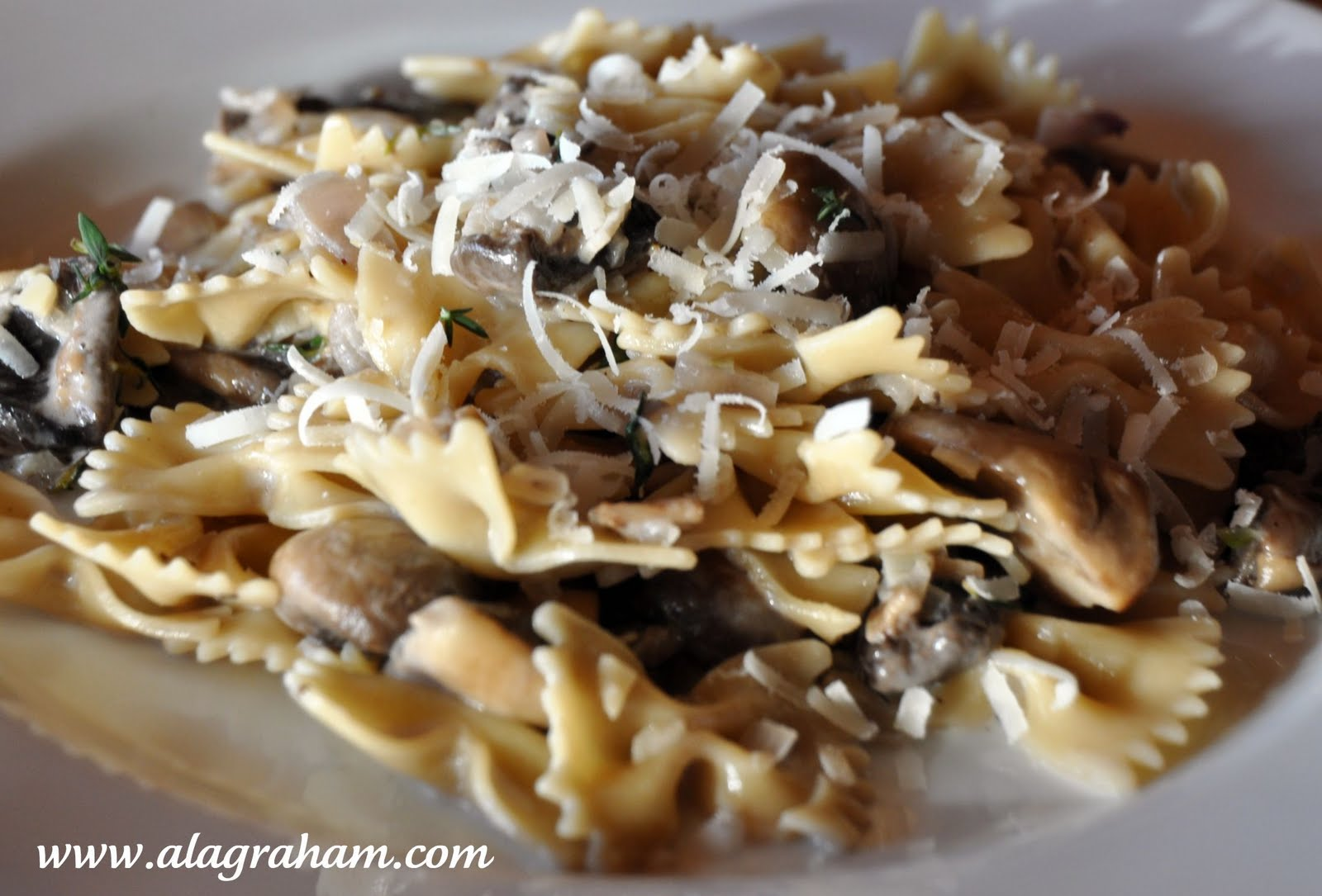 garlic and thyme linguine with lemon garlic and thyme mushrooms snow ...