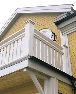 Skärmtak över balkong