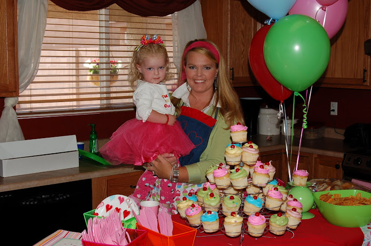 Kenzie's Cup Cake Birthday Party!