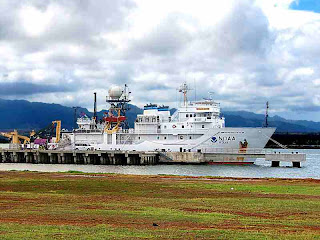NOAA ship Oscar Elton Sette in Pearl Harbor Sept 2007