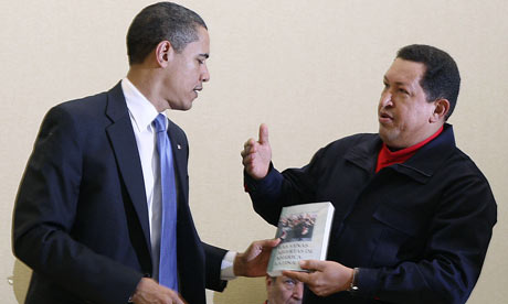Hugo Chavez presents a book by Eduardo Galeano to Barak Obama