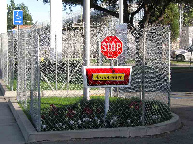 Rose Parade 2011 - fenced area and Do Not Enter sign