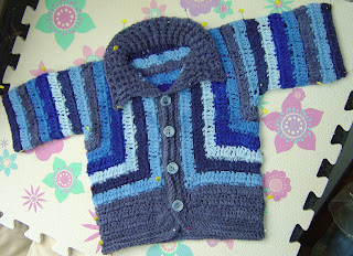 Crochet Surprise Jacket Free Pattern : Enthusiastic crochetoholic: Baby Surprise Jacket - but ...