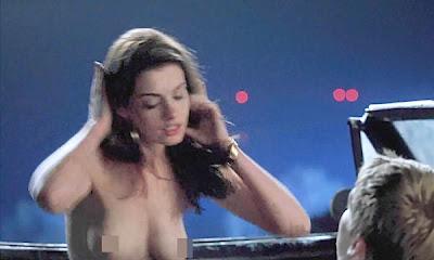 Anne hathaway escena desnuda en el caos