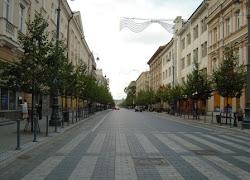 """Les """"Champs Elysées"""" de Vilnius à l'aube"""
