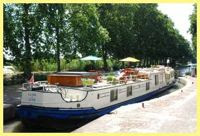 Cruise the French canals with Hotel Barge Claire de Lune - Book with ParadiseConnections.com