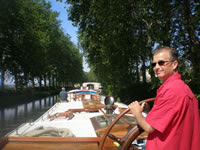Cruise the French canals with ALEGRIA - Contact ParadiseConnections.com