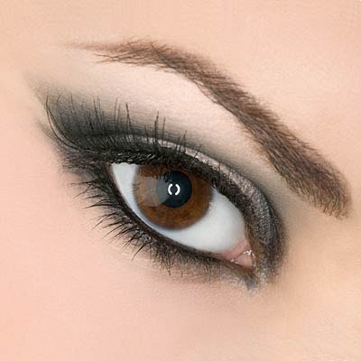 No matter what your eye shape is, this sexy eye make-up will look fabulous