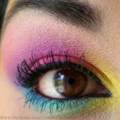 Colorful Dramatic eye shadow