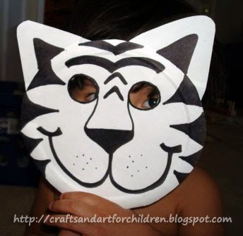 print lion mask pattern