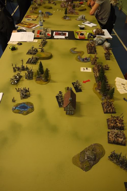 Bretonnians vs Dark Elves photo