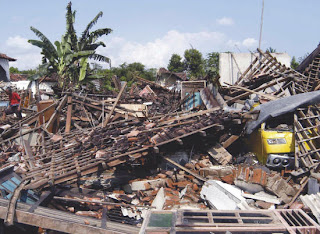 10 Bencana paling aneh dan terbesar di dunia