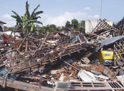 Bencan9  khas indonesia, 10 Bencana Aneh Terbesar di Dunia . natural.co.id