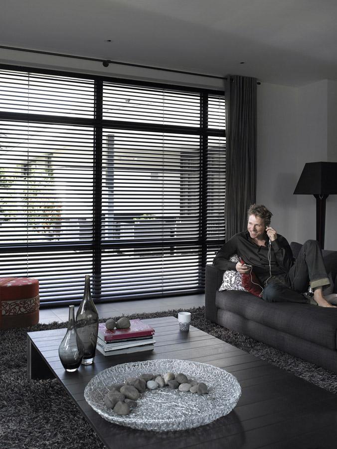 arquitetura interiores cortinas ou persianas. Black Bedroom Furniture Sets. Home Design Ideas