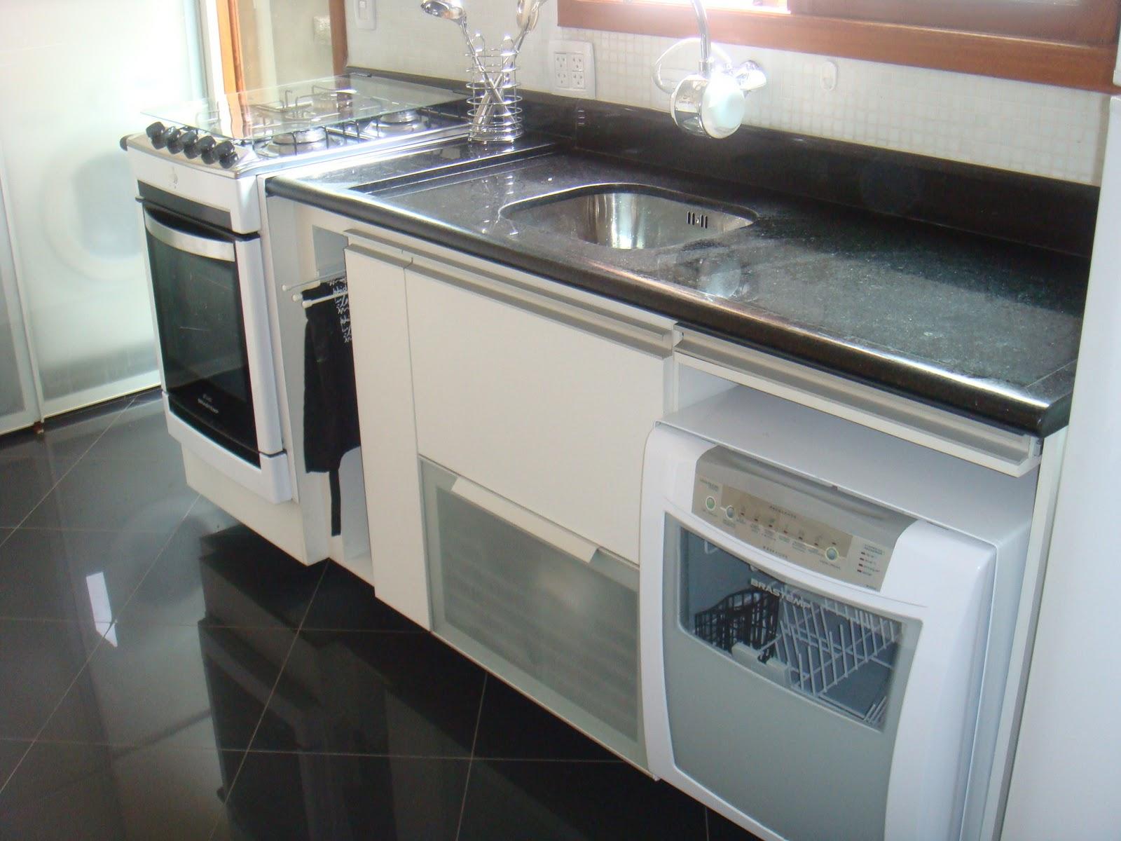 Carolina Casciano Design de Interiores: Cozinha compacta #7B5F50 1600 1200
