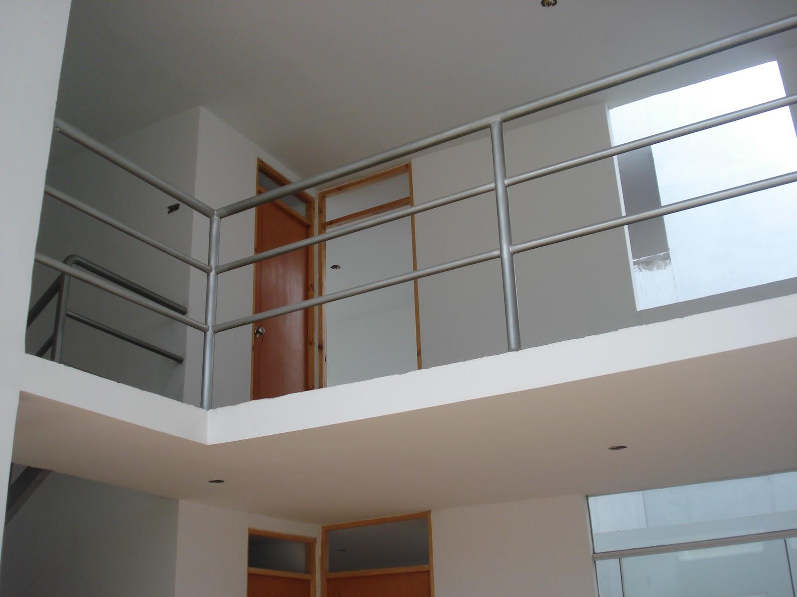 Casa nueva urb la noria fotos construcci n for Sala de estar vista desde arriba