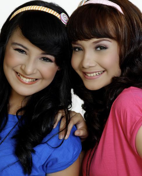 The Sister : jeunesse indonésienne dans Indonésie 1_158192559l