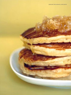 how to make banana nut pancakes from scratch