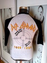 VINTAGE DEF LEPPARD WORLD TOUR 1983 3 QUARTER 50/50 SHIRT very rare n nice design (back)  (SOLD)