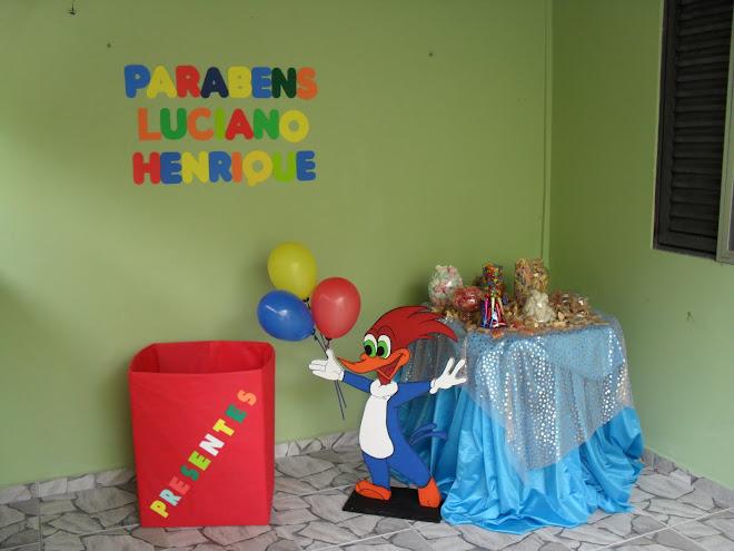 Mesa de doces Festa do Luciano Henrique