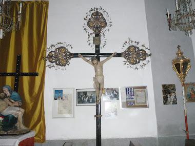 Parade crucifix