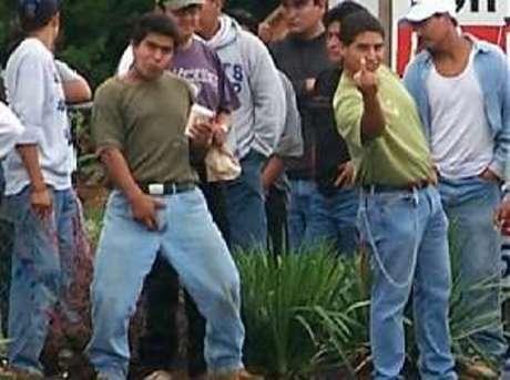 http://2.bp.blogspot.com/_u0XIriS-d3c/TN6kPKvFA_I/AAAAAAAASxA/P5E3I53PBHY/s1600/illegalaliens_12.jpg