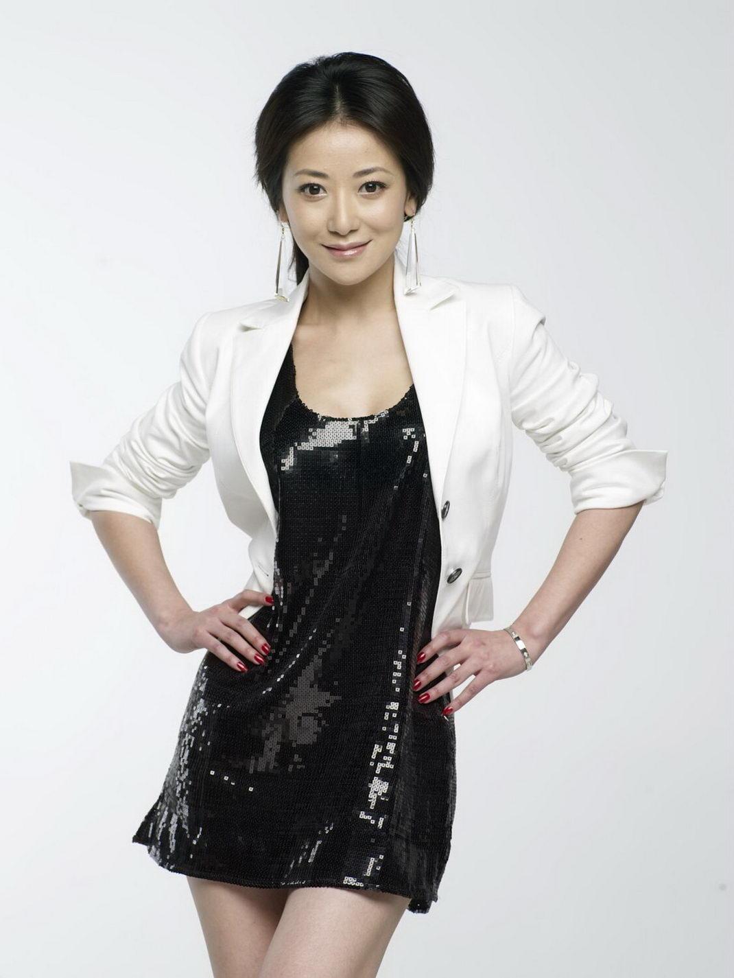 K Chen L Hne beautiful emily chen zihan acroholic