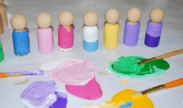 pegdolls2+copy Handmade Gift Idea: Peg Dolls