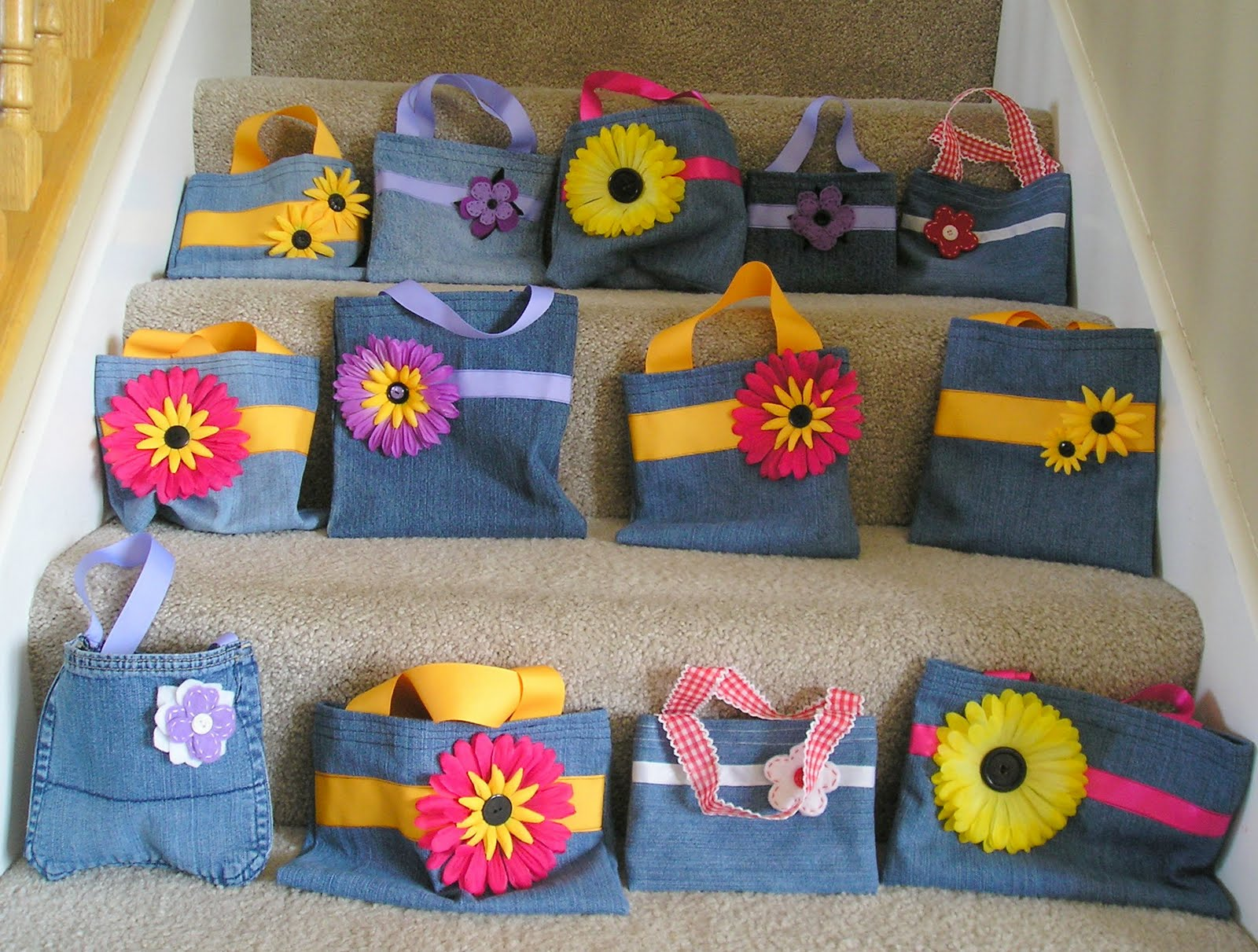 how to make a lunch bag out of old jeans