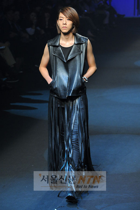 Lee Jeong Shin Seoul Fashion Week ! ♥ 2010102212877236272