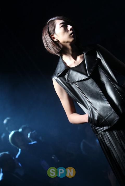 Lee Jeong Shin Seoul Fashion Week ! ♥ Pp10102200071