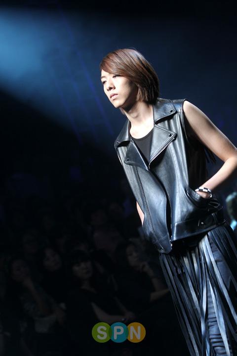 Lee Jeong Shin Seoul Fashion Week ! ♥ Pp10102200074