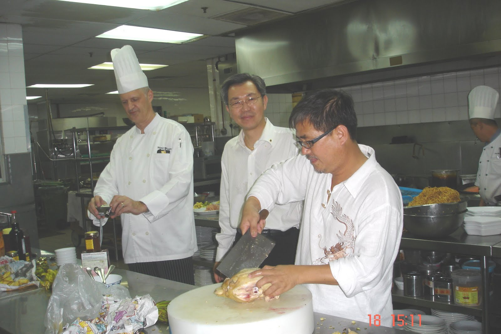 [ald'leong+preparing+chicken]