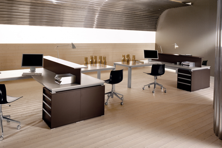 So chic interiorismo en oficinas ideas minimalistas for Muebles de oficina ergonomicos