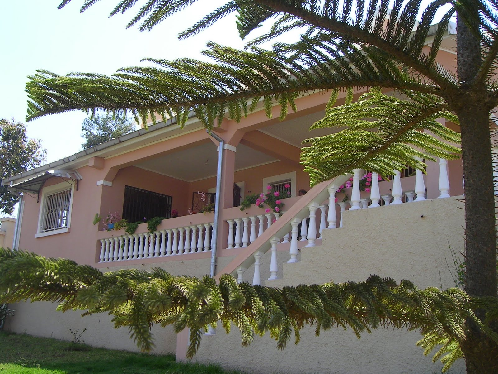Maison Neuve A Tana