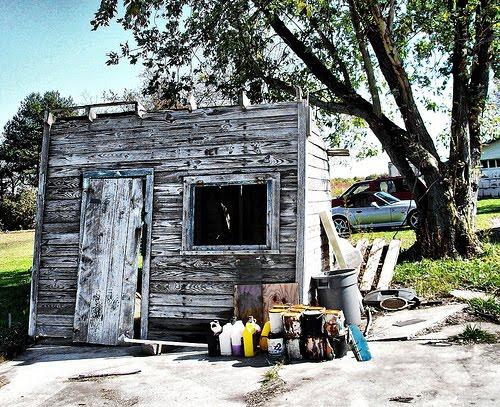 [shack]